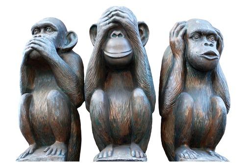 """Скульптура креативная""""Три обезьяны""""(неделания зла), фото — «Реклама Белореченска»"""