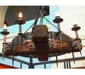Деревянные люстры, светильники с коваными элементами. - Предметы интерьера в Апшеронске