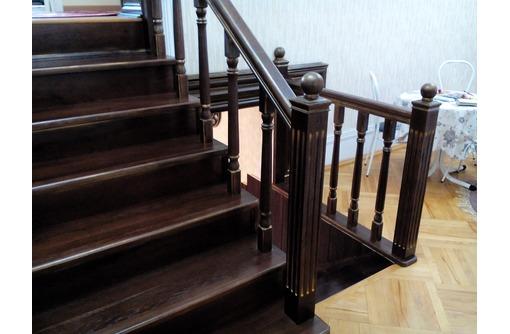 Изготовление деревянных лестниц в Гулькевичи, фото — «Реклама Гулькевичей»