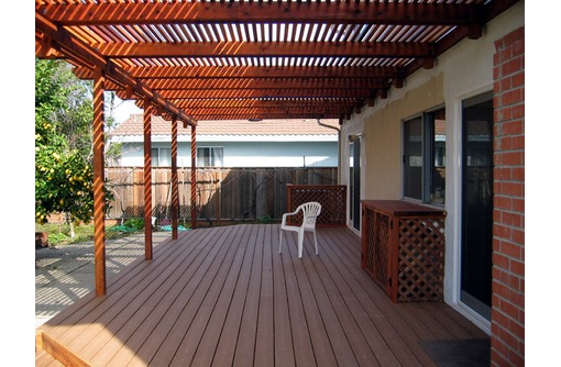 Изготовим и смонтируем: террасы деревянные любой сложности, фото — «Реклама Краснодара»