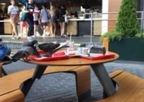 «Еда и голуби»: сочинцы возмущены «слежением за чистотой» в местном кафе ФОТО, фото — «Рекламы Адлера»