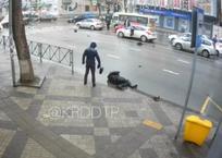 Видео страшной аварии с участием мотоциклиста в центре Краснодара шокировало горожан, фото — «Рекламы Тихорецка»