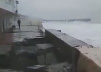 Шторм в Сочи разрушил недавно укрепленную набережную ВИДЕО, фото — «Рекламы Кропоткина»