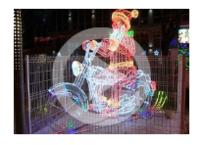 В Геленджике установили фигуру Деда Мороза на мотоцикле, фото — «Рекламы Геленджика»