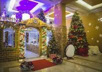 Самый большой в России пряничный домик установили к Новому году на Кубани, фото — «Рекламы Приморско-Ахтарска»