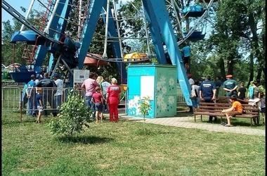 На Кубани дети застряли на колесе обозрения ФОТО, фото — «Рекламы Адлера»