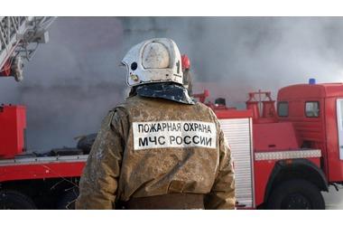 В Краснодаре загорелась автомойка, фото — «Рекламы Кубани»