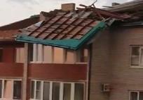 Category_v-eyske-ot-uragana-postradal-mnogokvartirnyy-dom_moment