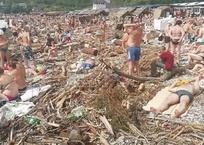 Провальный «бархатный сезон» - во что превратились пляжи курортов Кубани после стихии, фото — «Рекламы Кубани»