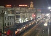Темнота друг молодежи: пассажиры «Ласточки» из Краснодара ехали в полной темноте, фото — «Рекламы Кубани»