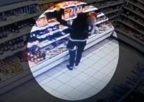 В Краснодарском крае молодая мама, прикрываясь ребенком, обокрала магазин, фото — «Рекламы Курганинска»