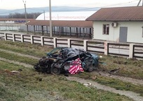 Водитель легковушки разбился насмерть, врезавшись в бетононасос на Кубани, фото — «Рекламы Кореновска»