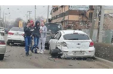 Администратор крупного краснодарского паблика попал в ДТП и скрылся с места аварии, фото — «Рекламы Краснодара»