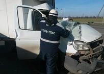 В Армавире спасатели вытащили водителя из искореженной Газели, фото — «Рекламы Армавира»