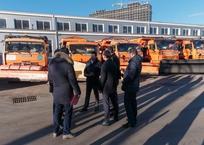 Первышов проверил готовность коммунальной техники к сегодняшнему похолоданию в Краснодаре, фото — «Рекламы Кубани»