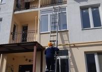 Двухлетний ребенок запер свою мать на балконе в Геленджике, фото — «Рекламы Геленджика»