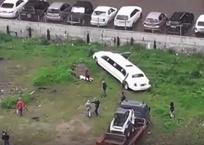 В Краснодаре брошенный лимузин стал пристанищем для подростков и бездомных ВИДЕО, фото — «Рекламы Краснодара»