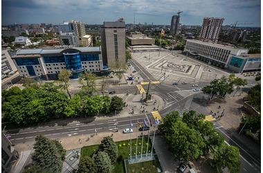 Две главных площади Краснодара в срочном порядке переименованы, фото — «Рекламы Краснодара»