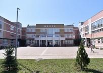 В новой школе Краснодара произошло обрушение фасада ФОТО, фото — «Рекламы Краснодара»