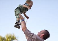Минтруд намерен лишить детского пособия родителей, которые слишком много работают, фото — «Рекламы Приморско-Ахтарска»