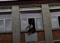 В Гулькевичах школьники вывесили из окна кабинета плакат с надписью «Жизнь ворам», фото — «Рекламы Гулькевичей»