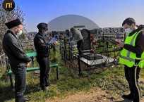 Нарушителей самоизоляции в Краснодаре ловят на кладбищах, фото — «Рекламы Новороссийска»