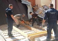 В Геленджике порывом ветра снесло крышу здания ФОТО, ВИДЕО, фото — «Рекламы Геленджика»