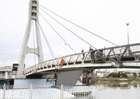 В Краснодаре обновляют знаменитый Мост Поцелуев, фото — «Рекламы Кубани»