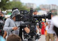 Известные актеры были замечены на Центральной площади Геленджика, фото — «Рекламы Геленджика»