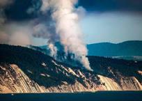 В Геленджике возбудили уголовное дело после лесного пожара в районе Кабардинки, фото — «Рекламы Геленджика»