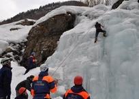 Куда звонить туристам, попавшим в беду в крымских горах, фото — «Рекламы Фороса»