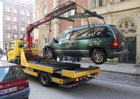 Если не успеваете переоформить авто – привозите его на эвакуаторе: ГИБДД, фото — «Рекламы Черноморского»