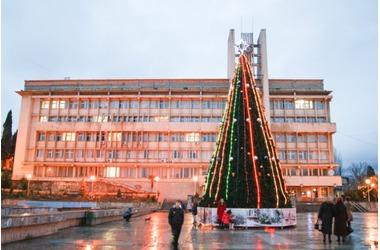 Алушту будут делать новогодней столицей Крыма, фото — «Рекламы Фороса»