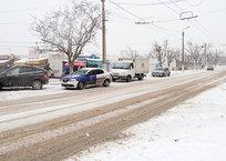 Плохо обработанные в гололед тротуары в Севастополе объяснили климатической особенностью города, фото — «Рекламы Севастополя»