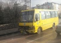 """В Севастополе """"Волга"""" столкнулась с пассажирским автобусом (фото), фото — «Рекламы Севастополя»"""