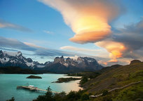 Category_lenticular-clouds-mountain-water-boat