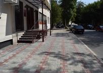 Власти Симферополя снесли незаконные шлагбаумы во дворах (ФОТО), фото — «Рекламы Крыма»