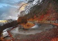 Смертельная угроза: Крымчан предупреждают о крупных обвалах и камнепадах, фото — «Рекламы Гурзуфа»