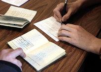 Крымчан с украинскими паспортами на почте заставляют заполнять спецбланки ФОТО, фото — «Рекламы Гурзуфа»