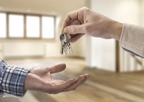 Выгодно ли сдавать квартиру в аренду в Крыму и Севастополе?, фото — «Рекламы Севастополя»