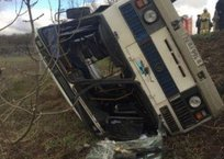 Под Симферополем перевернулся рейсовый автобус — семь человек в больнице ФОТО, ВИДЕО, фото — «Рекламы Феодосии»