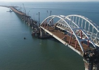 Крымский мост откроют сначала для автобусов и легковушек, грузовики пойдут потом — Минтранс Крыма, фото — «Рекламы Белогорска»