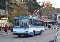 В Крыму не хватает более 100 водителей троллейбусов. Их набирают из Донецка и Луганска, фото — «Рекламы Красноперекопска»