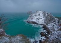 Температура морской воды на Крещение в Крыму, фото — «Рекламы города Саки»