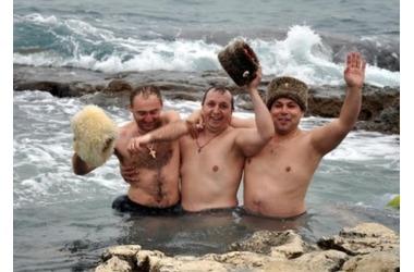 Где в Крыму можно будет искупаться на Крещение - список мест, фото — «Рекламы Гурзуфа»