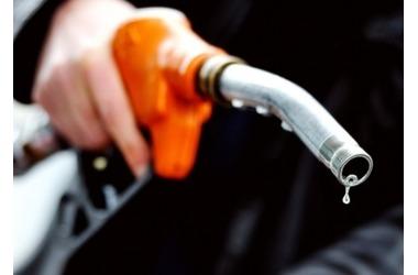 ФАС обещает снизить крымские цены на бензин до московских, фото — «Рекламы Евпатории»