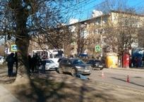 В Симферополе мужчина погиб под колесами внедорожника, фото — «Рекламы Черноморского»