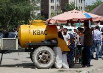 Роспотребнадзор не контролирует работу уличных точек по продаже кваса и молочных коктейлей в Крыму, фото — «Рекламы Крыма»