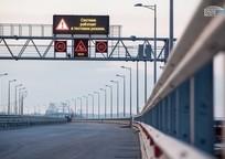 Category_na-krymskom-mostu-zapretyat-ostanavlivatsya-i-razvorachivatsya-102584-30