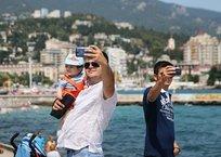 """""""Положь трубку!"""": как туристу не потратить все деньги на звонки в Крыму , фото — «Рекламы Щелкино»"""